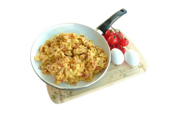 Instantrührei mit Zwiebeln (Zubereitung in der Pfanne)